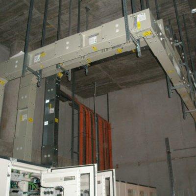HOSPITAL GENERAL DE TOLEDO. Aplicación del blindos: Interconexiones entre trafos y cuadros (1250A-2000A). Reparto de fuerza por plantas (160A-250A).